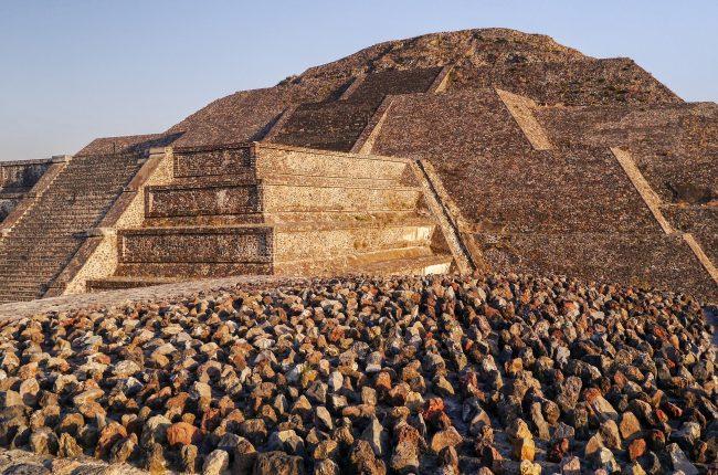 teotihuacan-odwiedz-jedna-z-najwiekszych-piramid-swiata