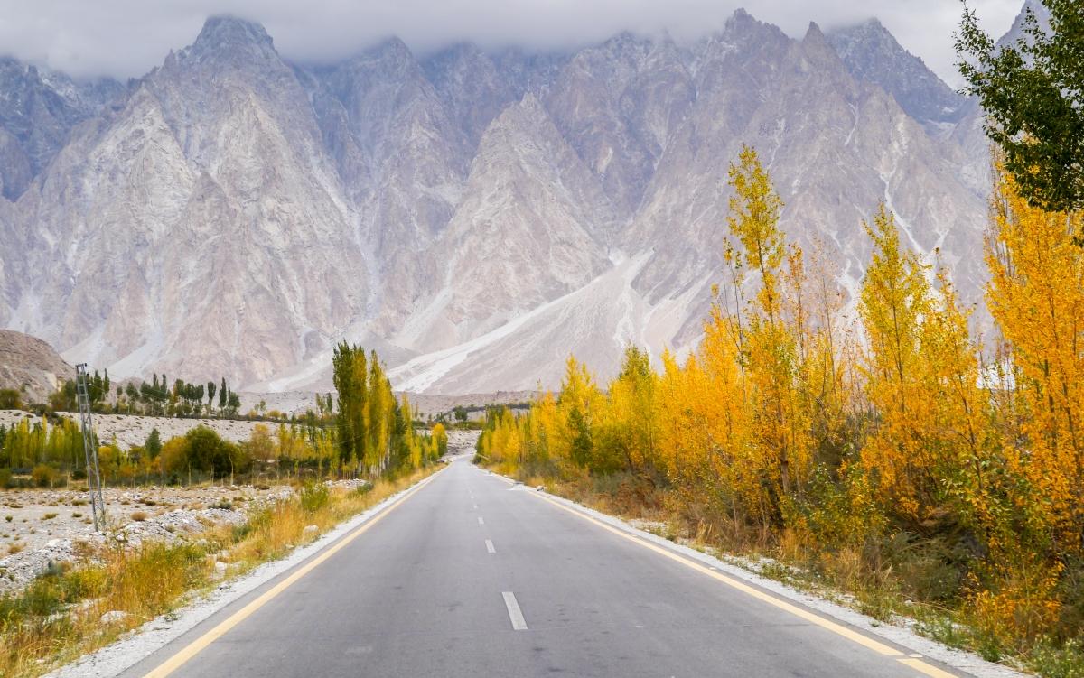 pierwszy-kontakt-z-karakorum-highway